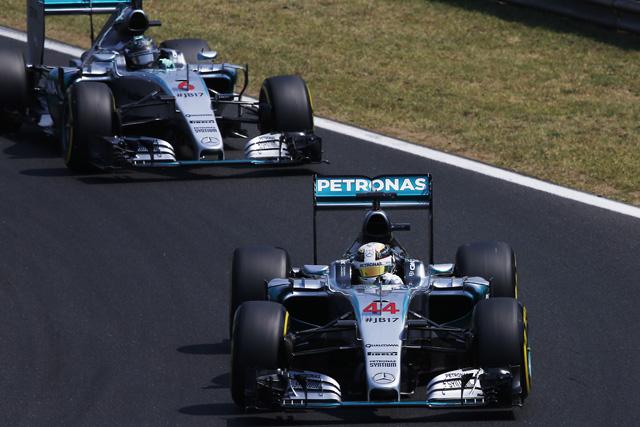 F1 | ハミルトン盤石、アロンソ8番手、キミはトラブル