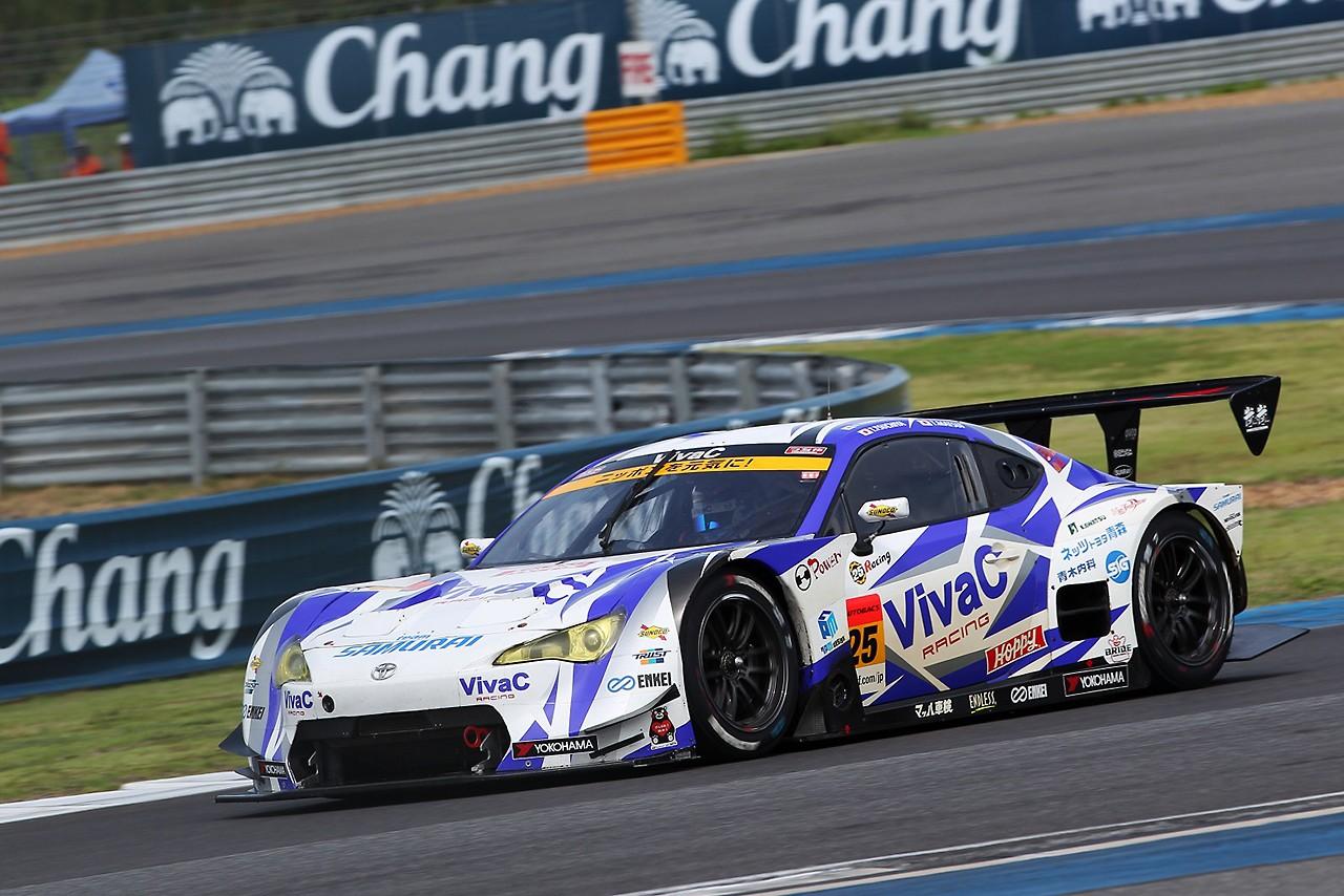 VivaC team TSUCHIYA スーパーGT第7戦タイ レースレポート