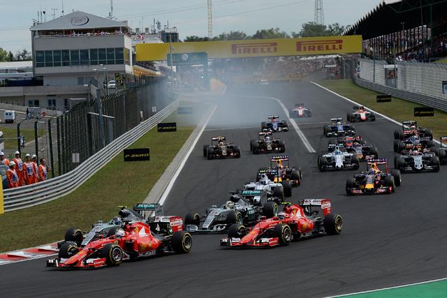 F1   「スリリングなF1のドラマが展開、ファンを魅了」