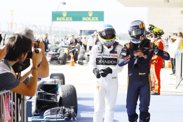 F1   サインツ「子どもの頃から見てきたアロンソとすごいバトル。優勝した気分だ!」トロロッソ アメリカ日曜