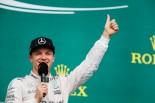 F1 | F1 Topic:レース終了後のパーティーで、ロズベルグが熱唱した曲とは?