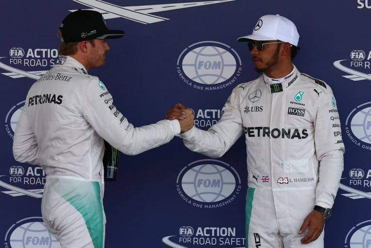 F1   F1 Topic:残り3戦。王座を争うふたりを公平に扱う重圧にさらされるメルセデス
