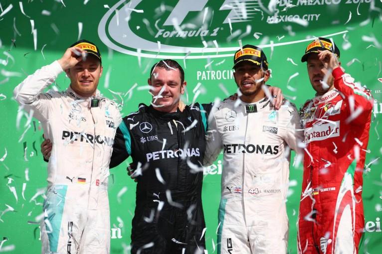 2016年F1第19戦メキシコGP 優勝:ルイス・ハミルトン、2位:ニコ・ロズベルグ、3位:セバスチャン・ベッテル