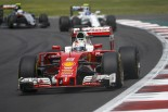 F1 | 悪態つくベッテルを「学校に戻った方がいい」とフェルスタッペンが批判。「防御の仕方もなってない」