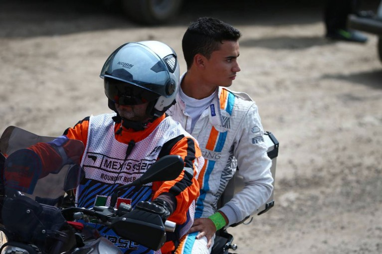 F1   動画:マノーのパスカル・ウェーレイン、スタート直後に接触リタイア/F1メキシコGP