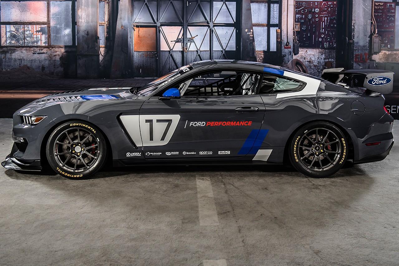 フォード、SEMAショーで新たなGT4モデル『マスタングGT4』を公開