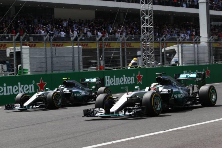 F1   F1ブラジルGP:タイトルを争うロズベルグとハミルトンが全く同じタイヤを選択