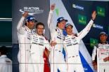 今季4勝目をあげたポルシェ1号車のマーク・ウェバー、ブレンドン・ハートレー、ティモ・ベルンハルト