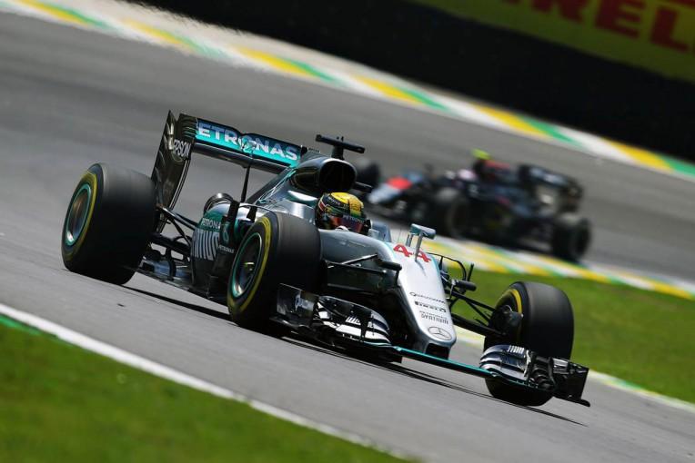 F1   F1ブラジルGPのFP2は再びハミルトンがトップ。アロンソにトラブル発生