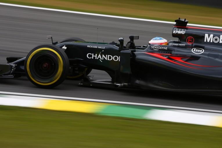 F1   アロンソ10位「速さがあるのか心配だった。雨ならライバルに勝てる」マクラーレン F1ブラジル土曜