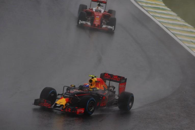 F1   ベッテル「フェルスタッペンの抜き方は正しくない」:フェラーリ F1ブラジルGP日曜