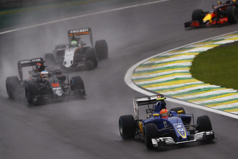 F1   ザウバー、今季初入賞。地元ナッセ「勝ったように嬉しい。アロンソから2点を守った」F1ブラジルGP日曜
