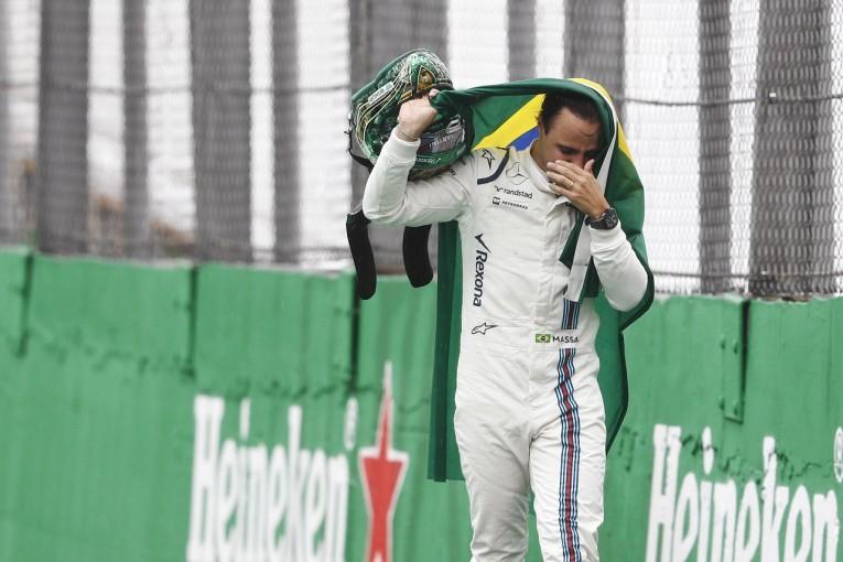 F1 | 「涙が止まらなかった」。母国ラストランのマッサに他チームも拍手:ウイリアムズ F1ブラジル日曜