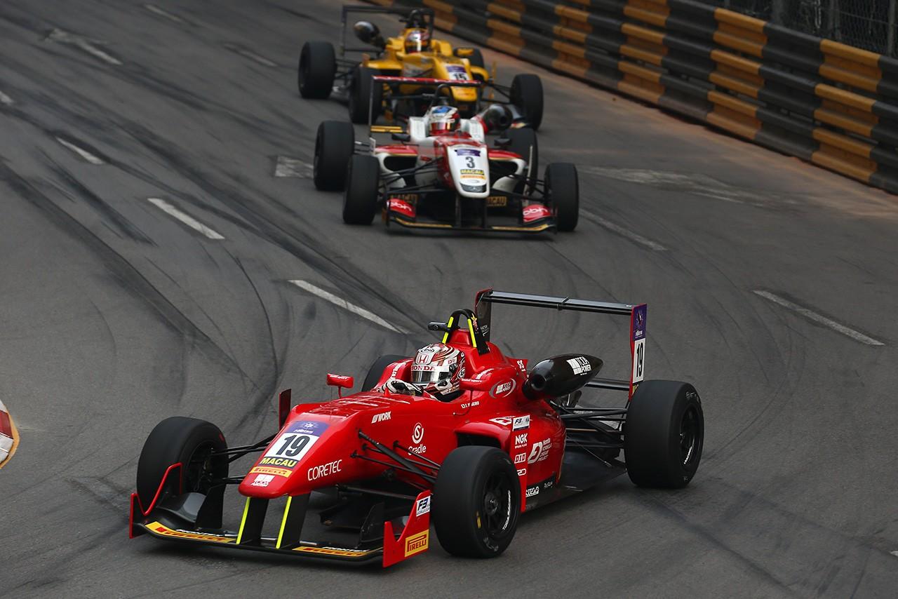 F3マカオGP:ダ・コスタが涙の2勝目。山下健太は4位で表彰台には届かず