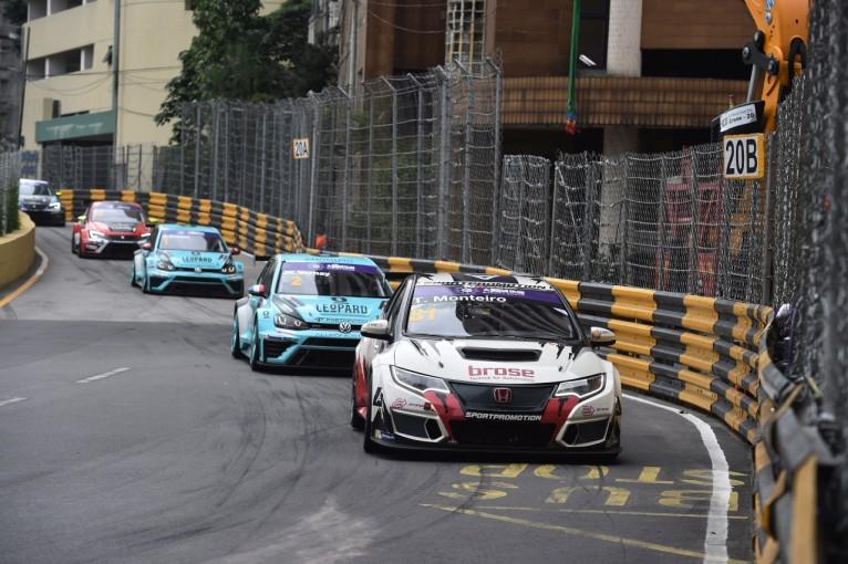 海外レース他 | TCRインター:ゲスト参戦のモンテイロがギアを制覇。コミニが逆転王座獲得