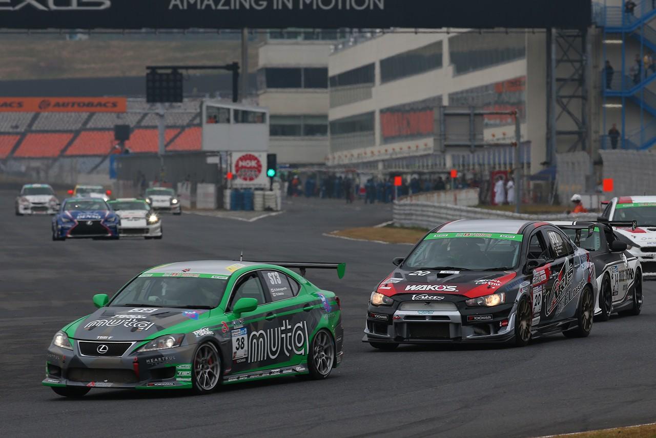S耐最終戦:3号車ENDLESS ADVAN GT-Rが残り6分で逆転勝利