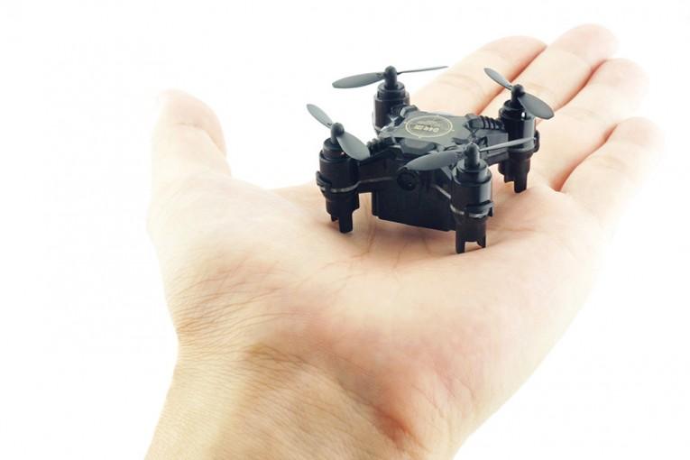 インフォメーション | 待望のカメラ搭載。極小ドローンの新モデル登場