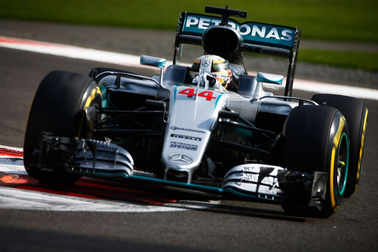 F1   F1最終戦アブダビGP開幕。逆転王座を狙うハミルトンが首位発進