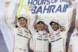 WEC最終戦で新チャンピオンに輝いたポルシェの2号車をドライブするロマン・デュマ/ニール・ジャニ/マルク・リエブ