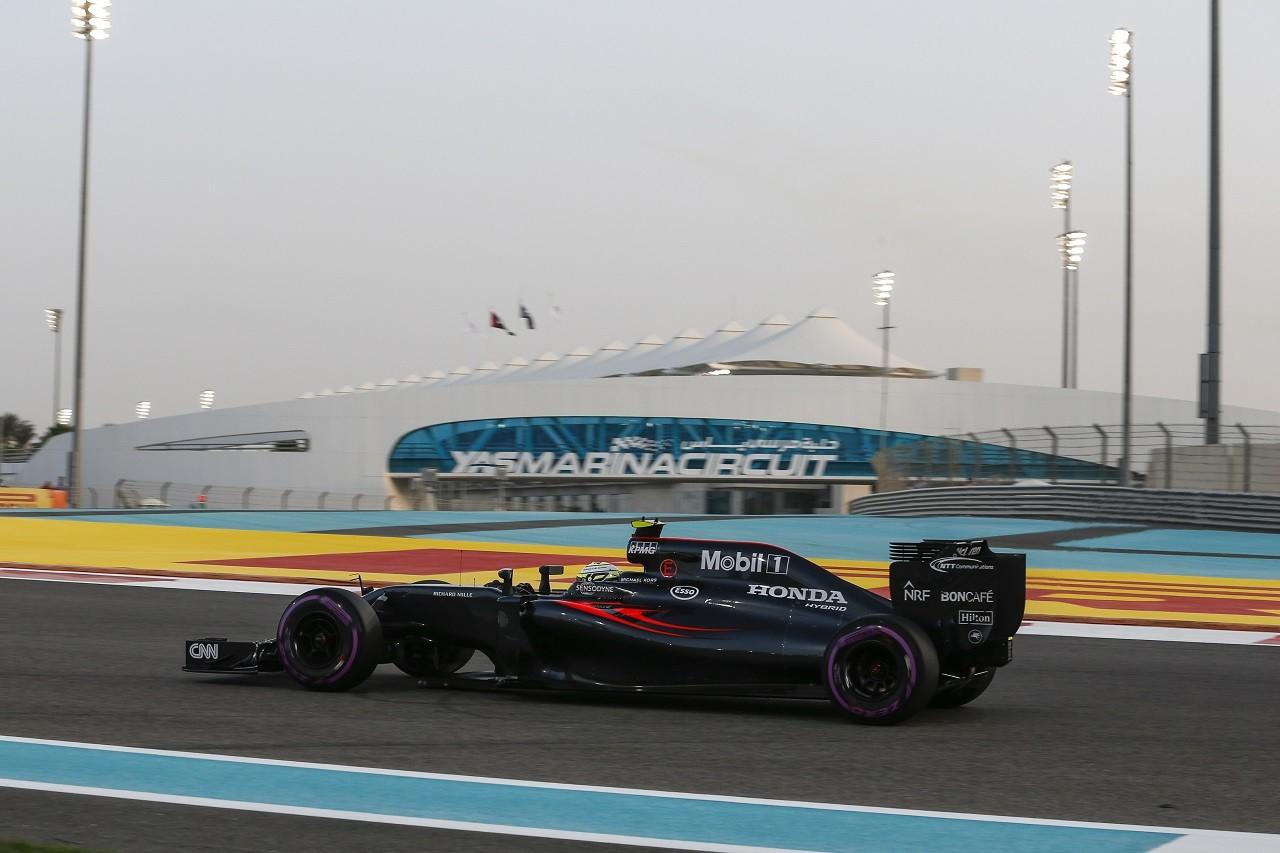 2016年F1第21戦アブダビGP ジェンソン・バトン(マクラーレン・ホンダ)