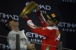 F1 | ベッテル3位「ルイスが汚い手を使ったことで、かえってニコを抜けなかった」フェラーリ F1アブダビ日曜