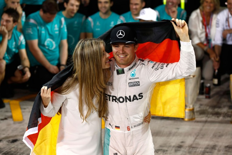 "F1 | 今宮純のF1決勝インプレッション:最大のライバルが仕掛けた""究極の戦略""に打ち勝ったロズベルグ"