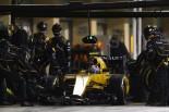 F1 | パーマーにペナルティ「タイヤにてこずり、サインツに追突」:ルノー F1アブダビGP日曜