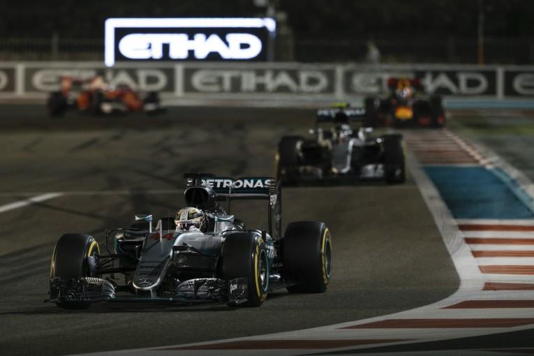 F1 | 「ハミルトンの戦略はフェアなもの」レッドブル代表がレース終盤の戦略を擁護