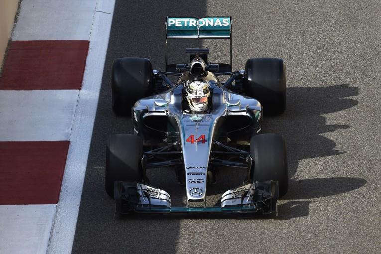 F1   ハミルトン、体調不良を訴え、F1新タイヤ開発テストを早退