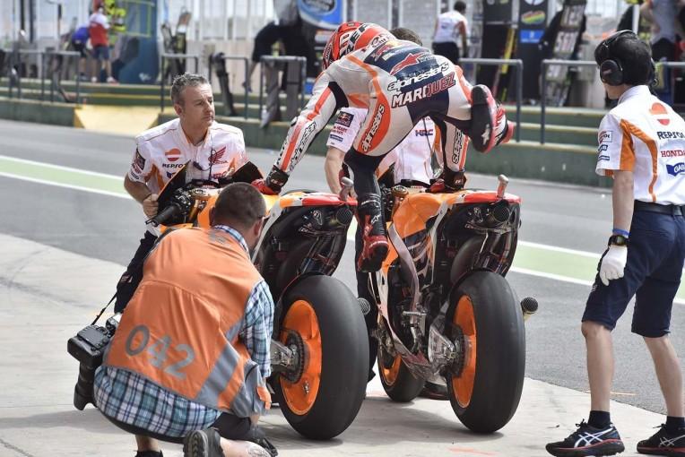 MotoGP   MotoGP:タイヤトラブルで規則が変更に/2016年振り返り 第2戦アルゼンチンGP