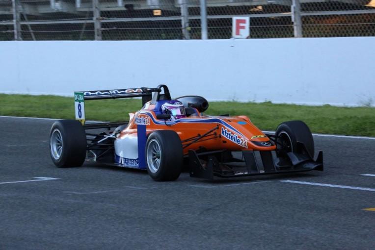 海外レース他 | 佐藤万璃音、スペインとポルトガルでのFIA-F3テスト終了
