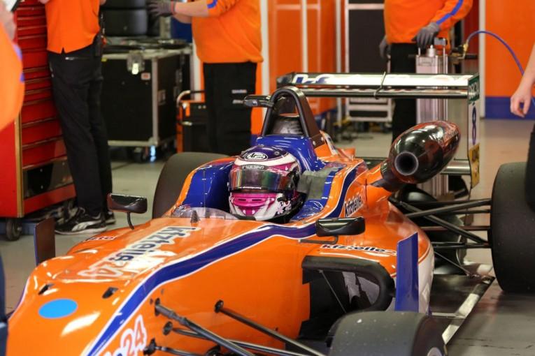 海外レース他 | 高校生ドライバー佐藤万璃音イタリア挑戦記 第10回:F3ドライバーになったら声優さんとお話ししたい!