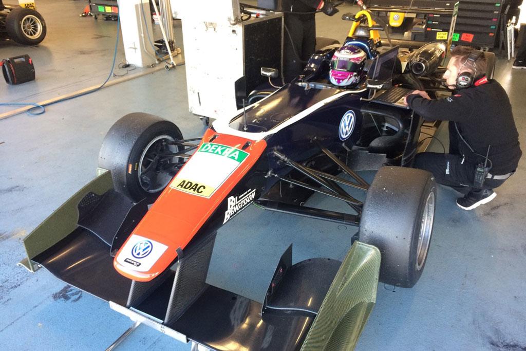 高校生ドライバー佐藤万璃音イタリア挑戦記 第10回:F3ドライバーになったら声優さんとお話ししたい!
