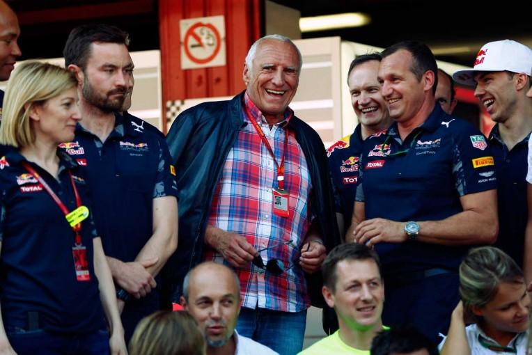 F1 | レッドブルF1オーナーのマテシッツ、今シーズン半ばにはメルセデスと伍して戦えると予想