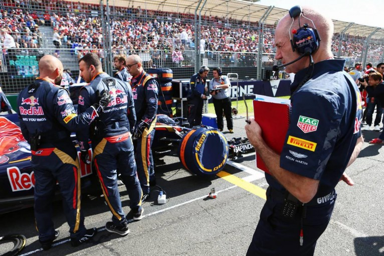 F1   ニューウェイ、ルノーF1のPUを称賛「今季仕様のパフォーマンスに希望を持った」