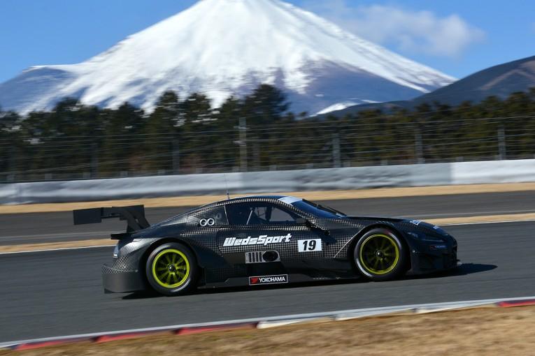 スーパーGT   富士スピードウェイで3台のLC500が走行。19号車がシェイクダウン