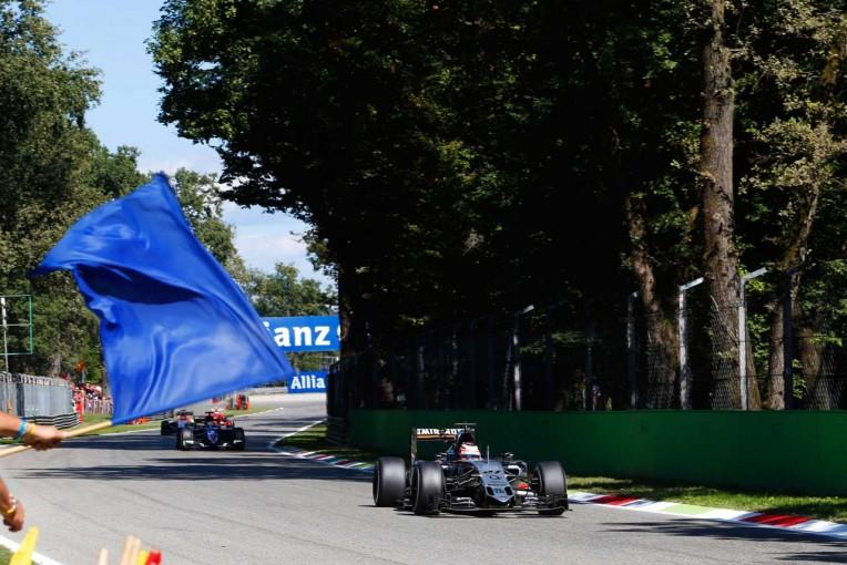 F1 | 元F1ドライバーのワーウィック、ブルーフラッグの撤廃とペナルティの緩和を提言