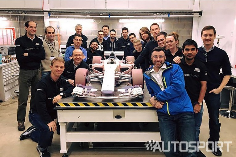 F1 | 消滅マノーF1、幻の2017年型新車を披露。スタッフが別れ告げる