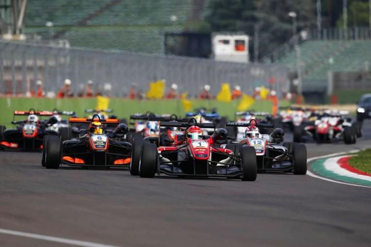 海外レース他 | ヨーロピアンF3:チーム間格差縮小を目的にレギュレーションの大改訂を敢行。17年は激戦必至か