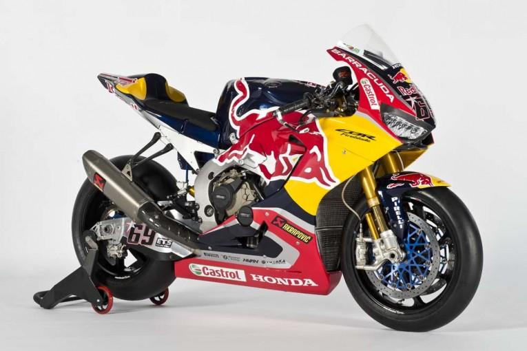 SBK仕様のCBR1000RRファイヤーブレードSP2/レッドブル・ホンダ・ワールド・スーパーバイク・チーム