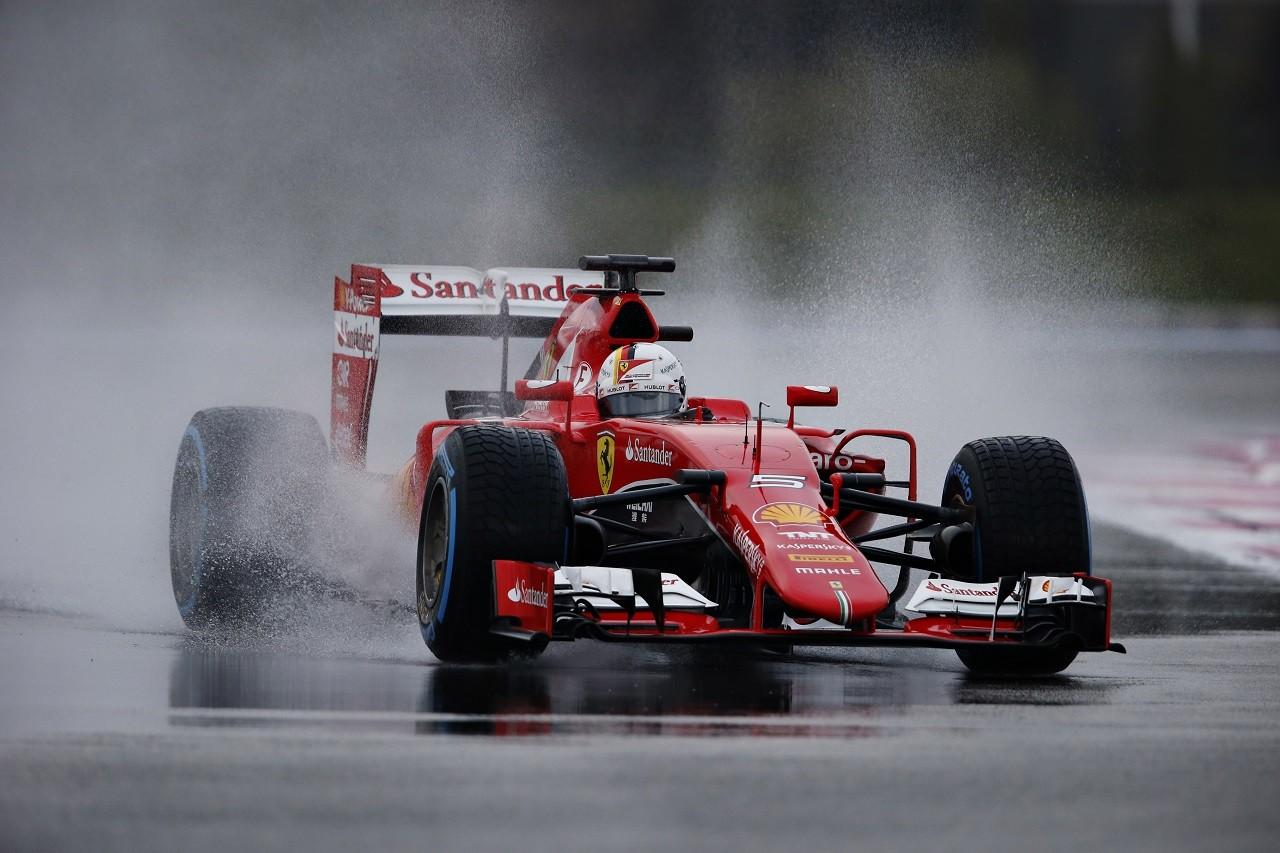 2016年1月ポール・リカール セバスチャン・ベッテルがフェラーリSF15-Tでウエットテスト