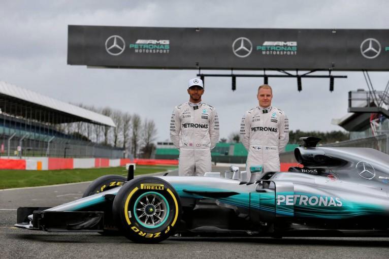 F1 | メルセデスF1、2017年型ニューマシン『W08』を発表