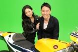 MotoGP特別番組に出演した壇蜜さん(左)とチュートリアル福田充徳さん(右)