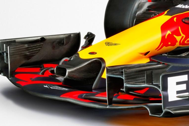 F1   レッドブルF1の新車『RB13』に謎のノーズダクト