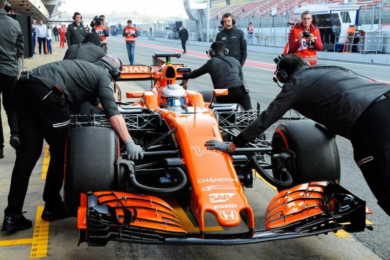 F1   マクラーレン・ホンダ密着:貴重な時間を奪ったトラブル原因と、疑問の残るブーリエの会見