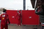 """隠す速度は神速。秘密主義を貫くフェラーリの""""壁""""@バルセロナF1合同テスト現地情報"""