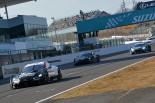 鈴鹿サーキットモータースポーツファン感謝デーのスーパーGTデモレースの様子