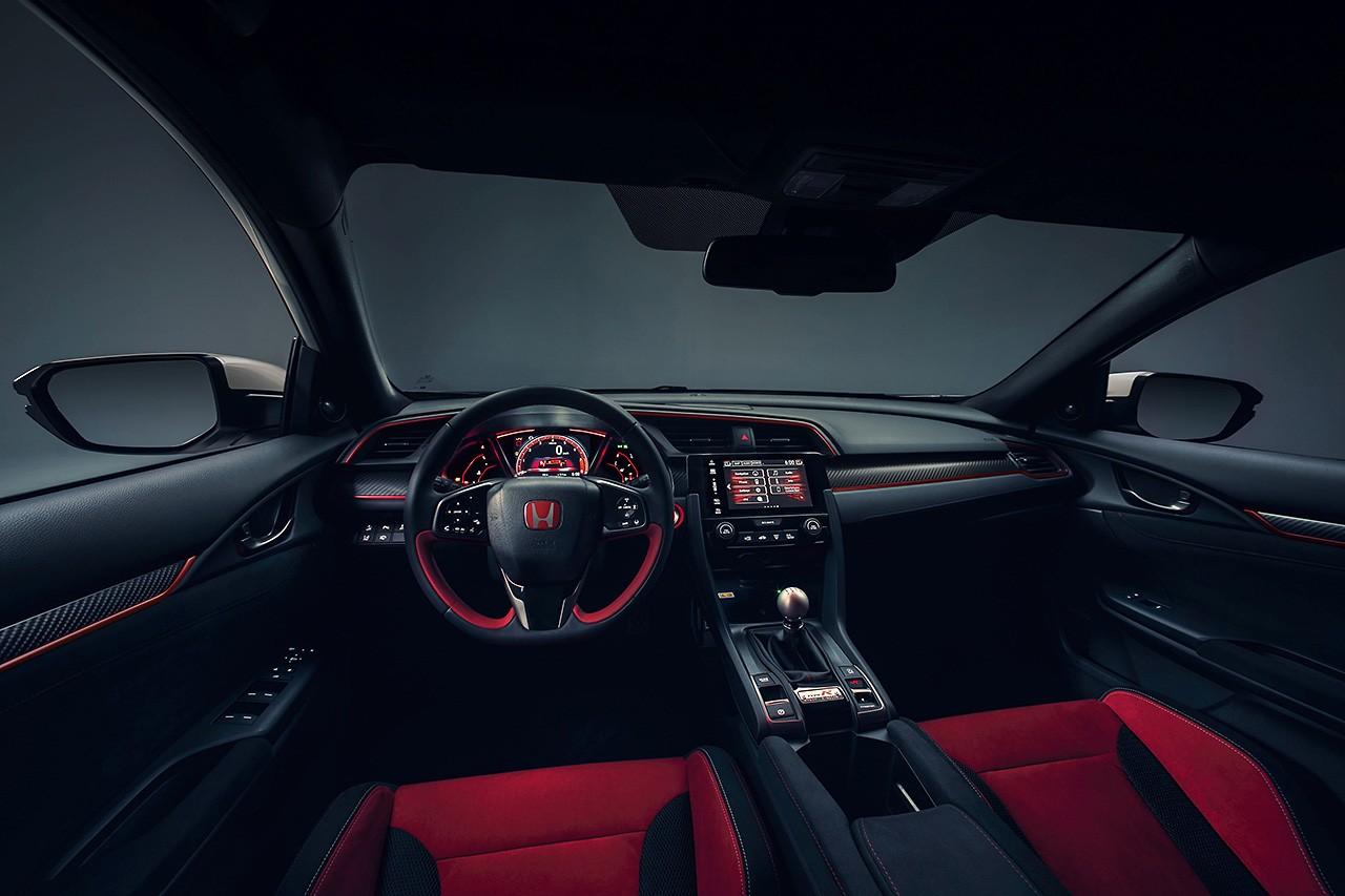 ホンダ、ジュネーブショーで新型シビック・タイプRの量産モデルを発表