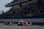 2017年第2回F1プレシーズンテスト4日目 キミ・ライコネン(フェラーリ)とマックス・フェルスタッペン(レッドブル)