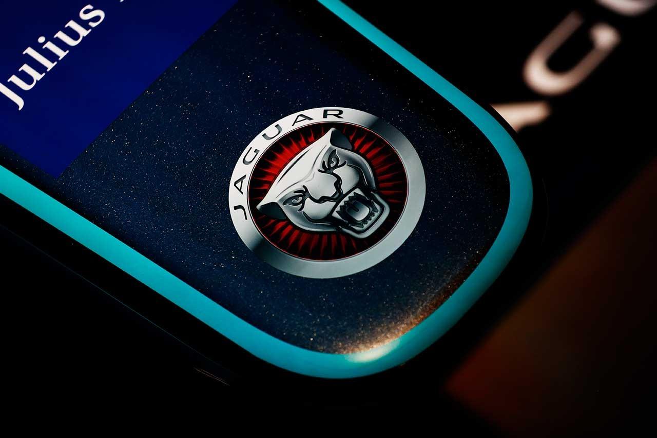 ジャガーが半世紀ぶりにレースカーを内製。FタイプベースのGT4を製作との報道
